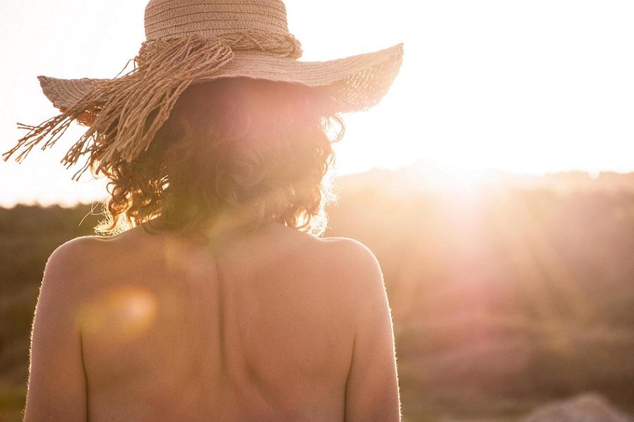 Was tun bei Sonnenallergie und Hitzebläschen?